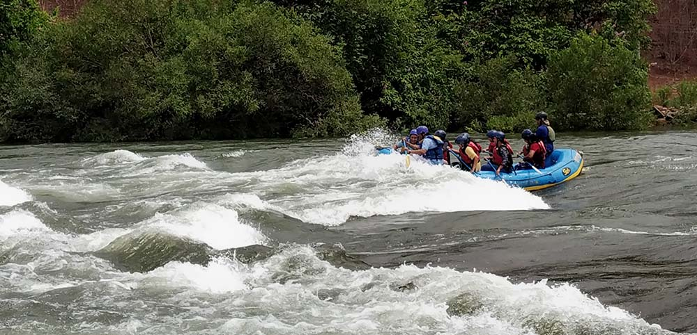 river rafting kolad